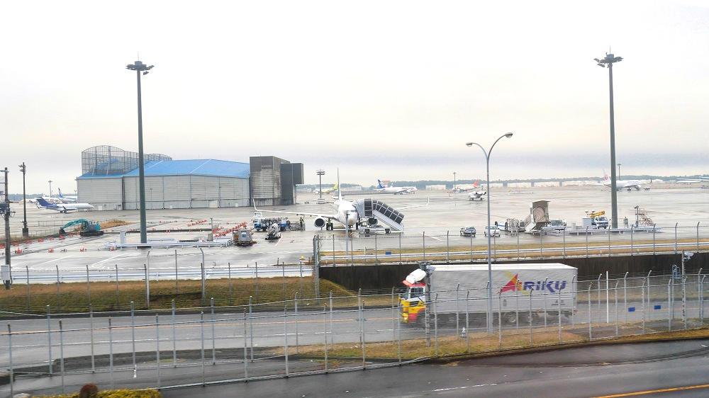 芝山鉄道沿線からは成田空港を間近に見ることができます!
